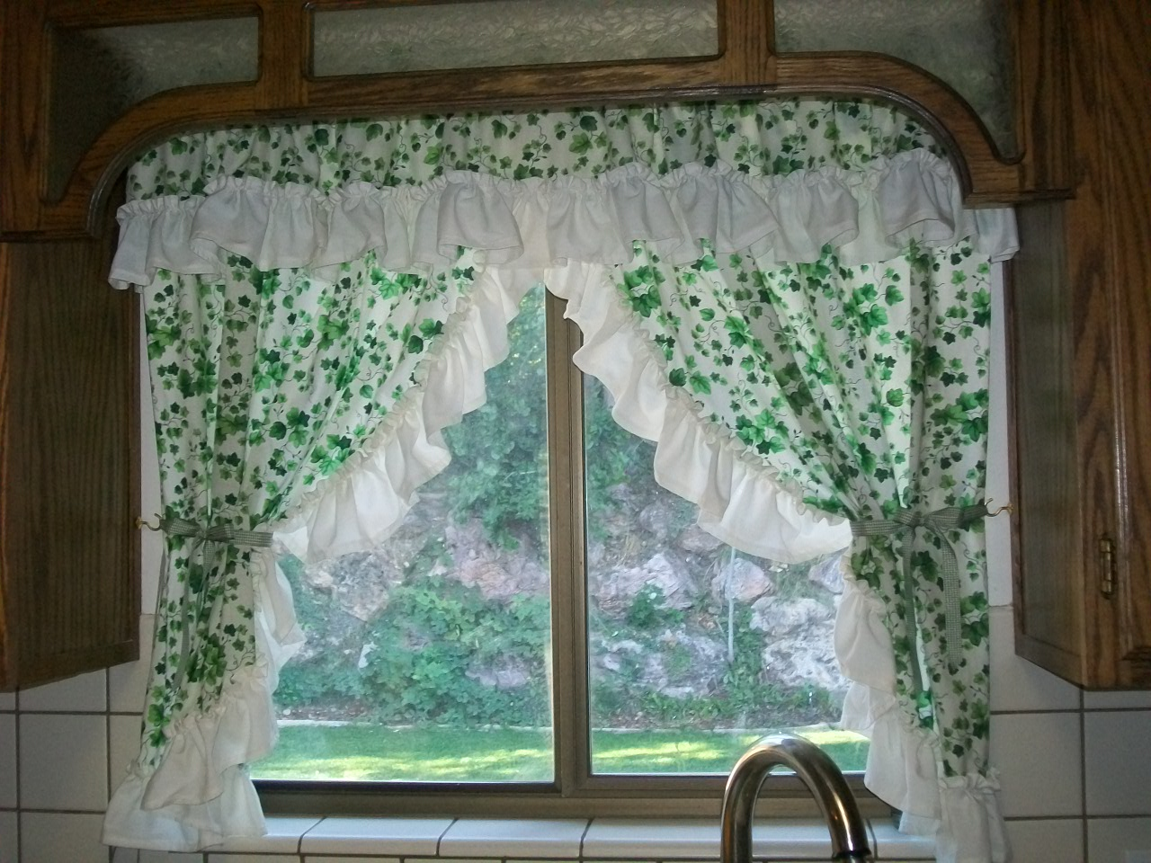 Flashback Friday – Kitchen Curtains |